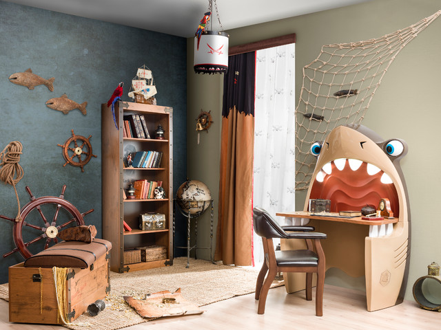 Pirate ship beach style bedroom