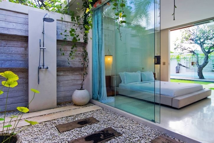 Resort style courtyard shower