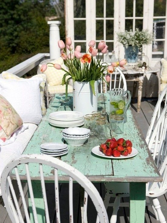 25 great ideas for creating a unique outdoor dining for Dining area decorating pictures