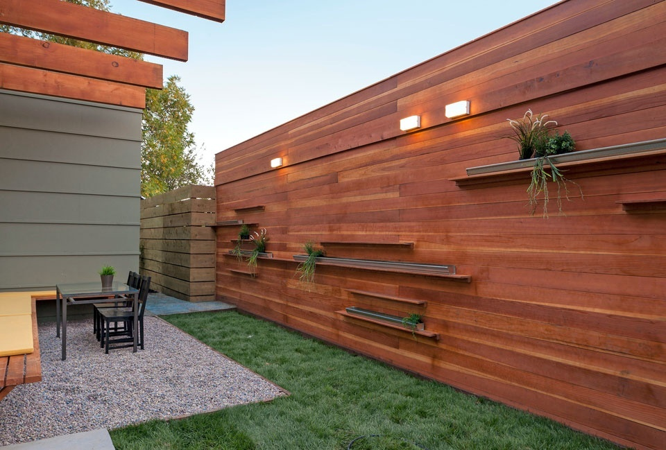 contemporary-patio-with-landscaping-pergola