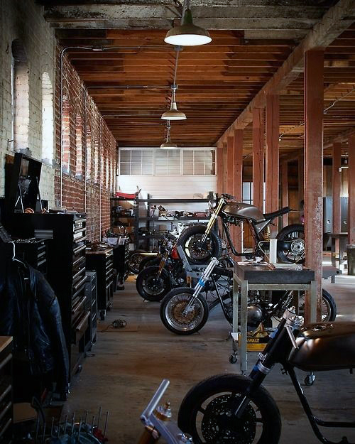 man-cave-garage-decor