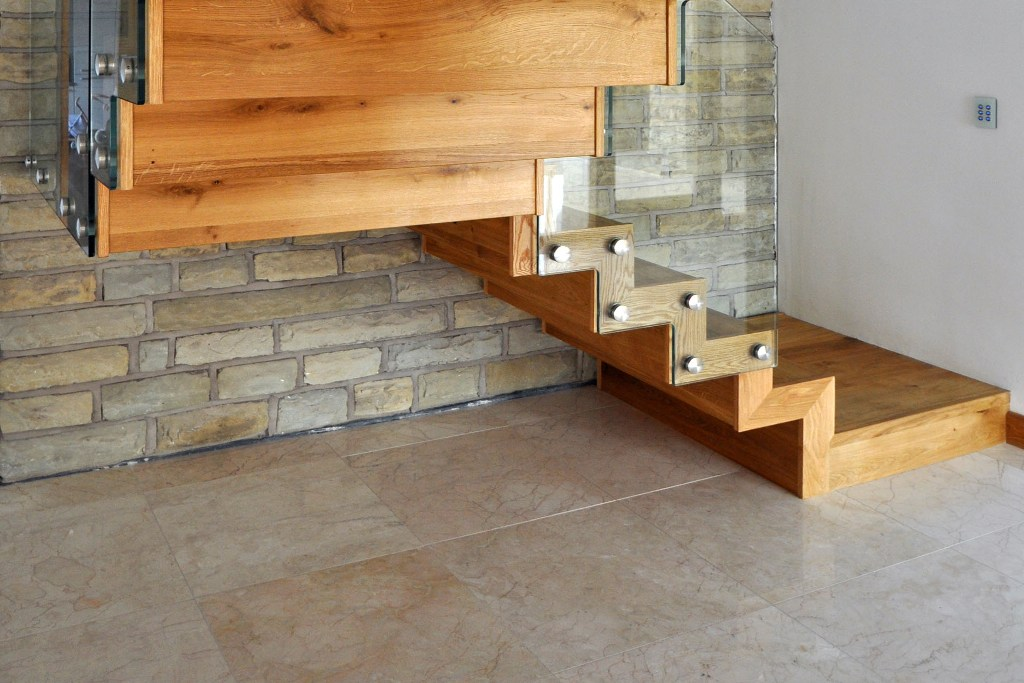 modern-wood-staircase