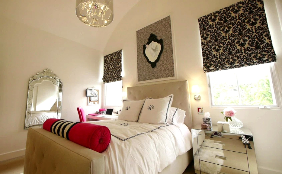 Beautifully Decorated Master Bedroom Designs (17)