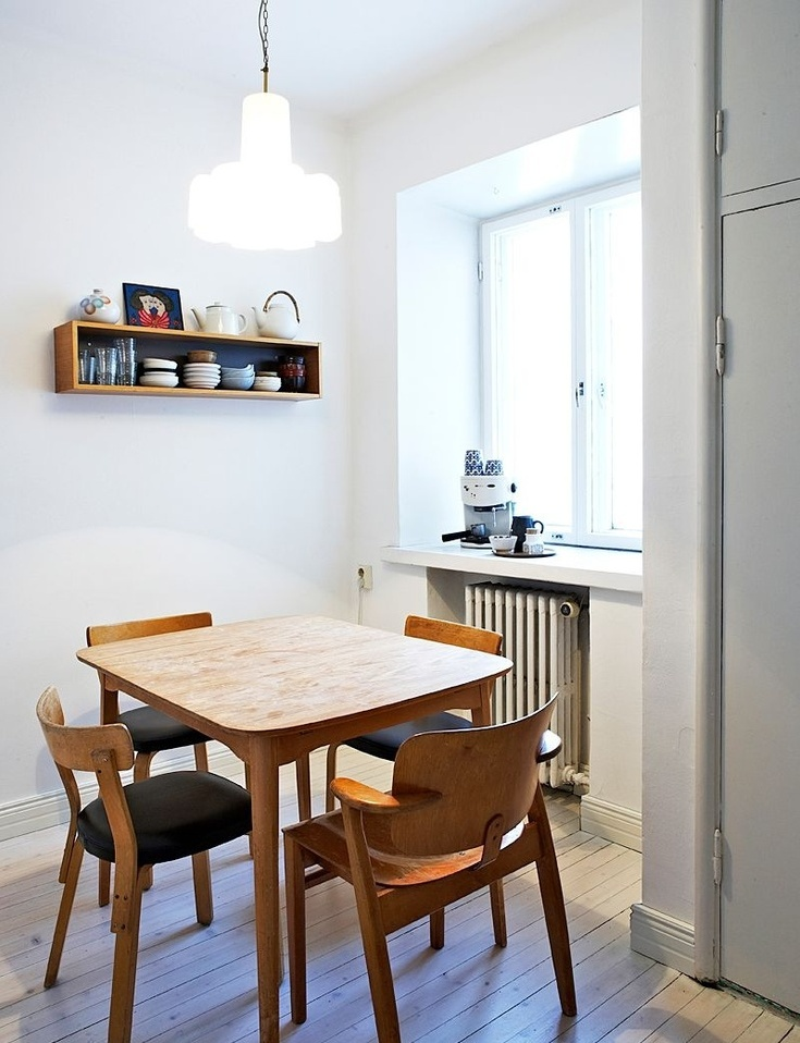 Cool Scandinavian Dining Room