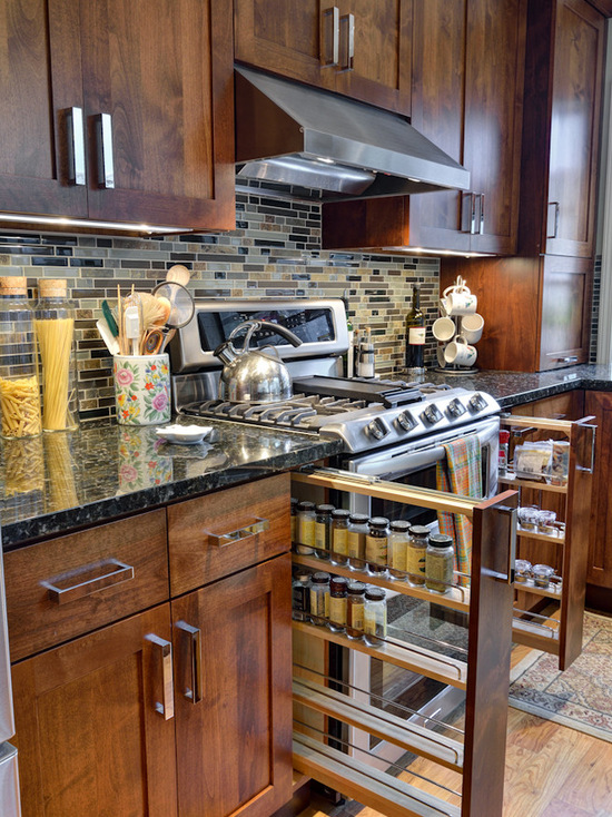 Dark-brown-wooden-cabinet-traditional-kitchen