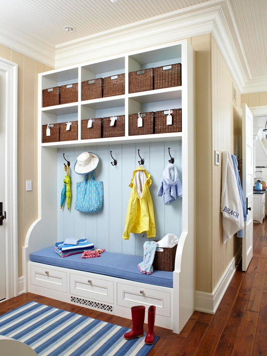 30 beautiful mudroom design ideas for Modern mudroom bench