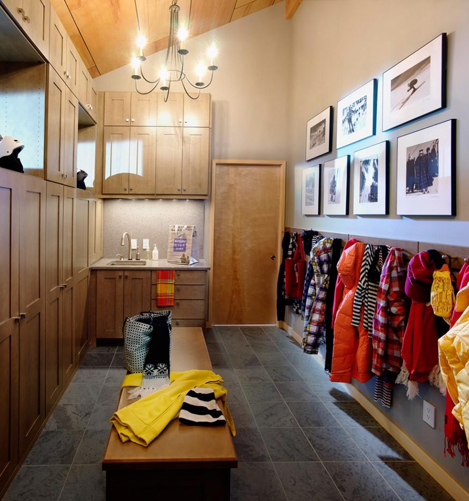 Mudroom Interior Design Ideas
