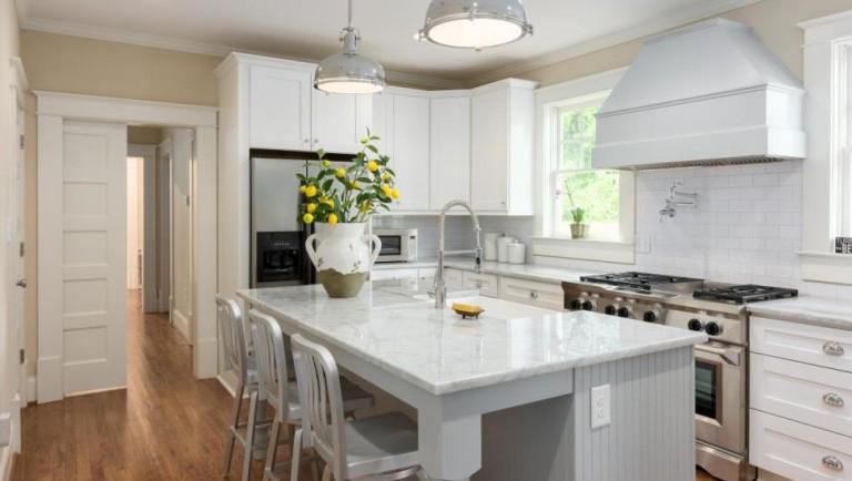 Best Inspiration To Decorate Farmhouse Kitchen
