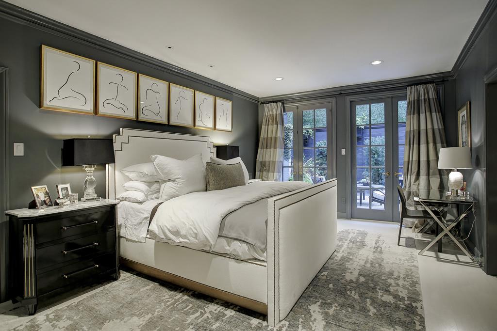 25 stunning luxury master bedroom designs for Stunning bedroom designs