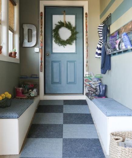 30 beautiful mudroom design ideas for Garage mudroom