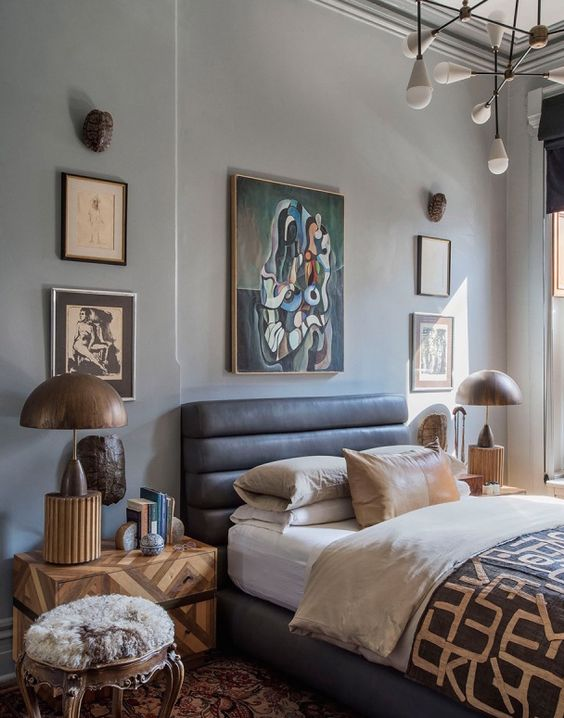 mid-century-modern-bedroom-designs with tufted bed