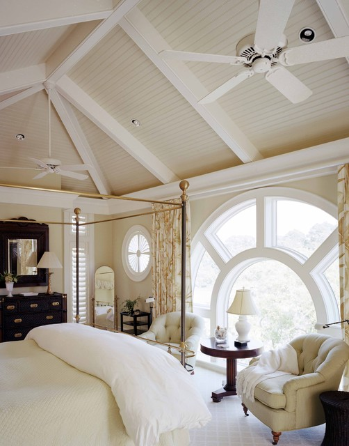 traditional-bedroom with canopy bed