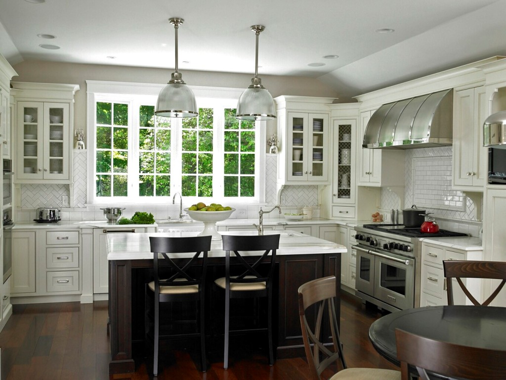 25 exciting traditional kitchen designs and styles for Hgtv kitchen designs photos
