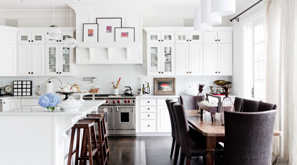 Beach Style Kitchen and Dining Room Decor