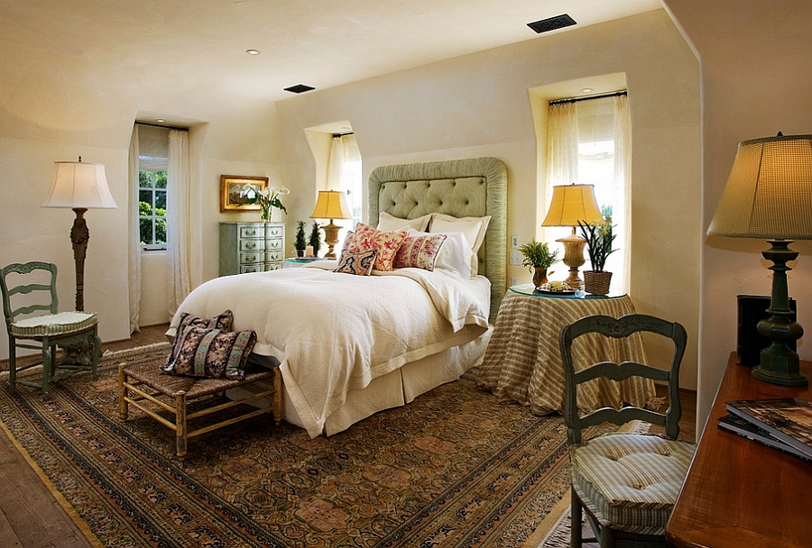 Chic rug adds to the Mediterranean style