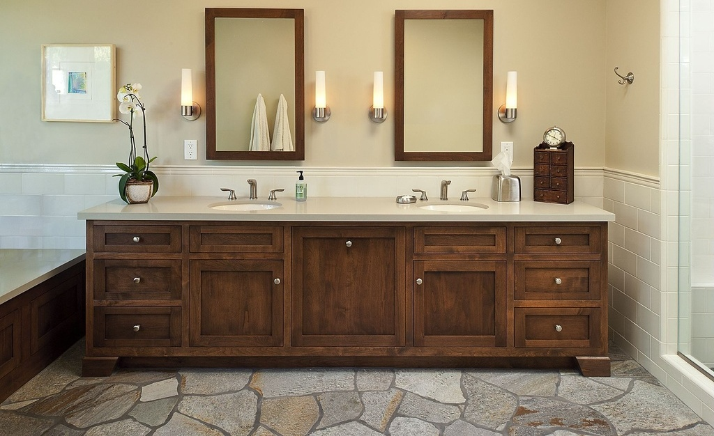 25 ideas to remodel your craftsman bathroom for Bathroom double vanity design ideas