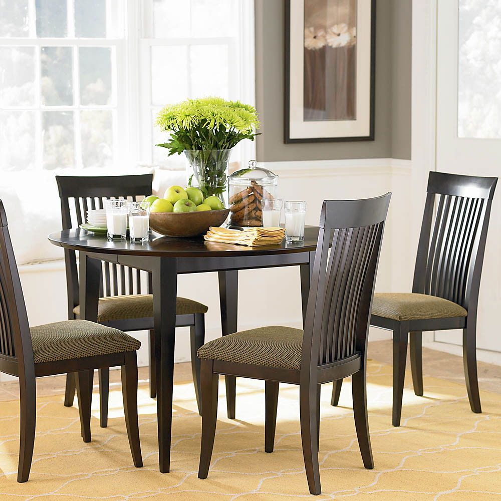 Get the best modern dining room ideas for your home for Small elegant dining room tables