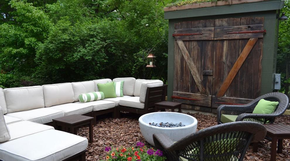 Eclectic-patio-outdoor-living-room-design