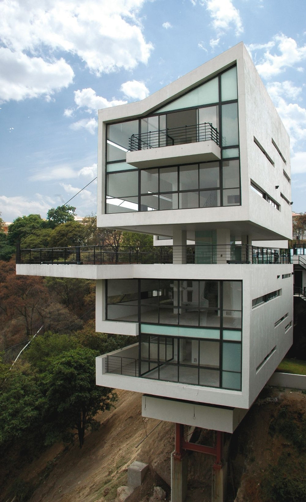 Modern Luxury Modern Glass Kit House Design