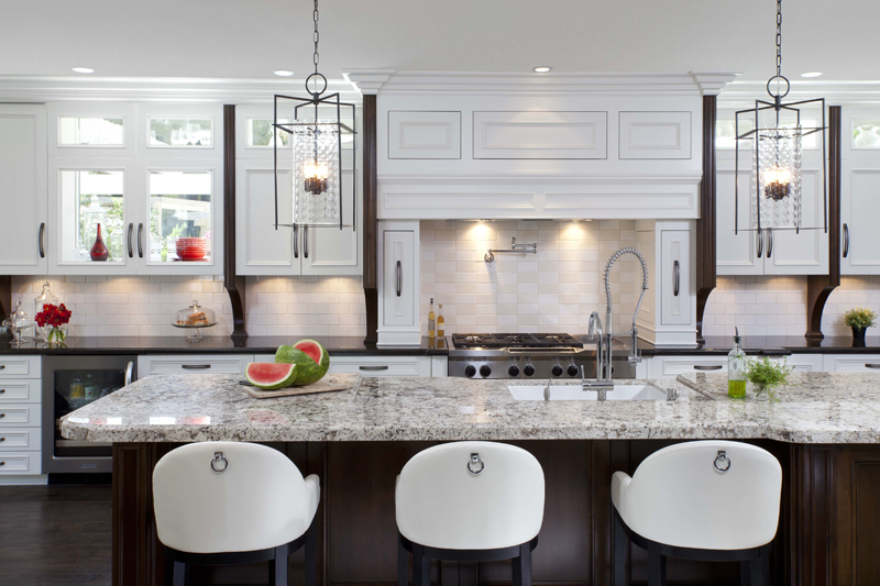 Stylish Transitional Home Kitchen