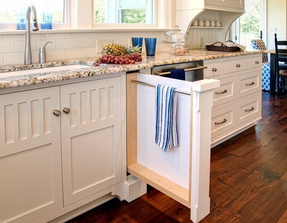 25 best beach style kitchen design ideas for House kitchen cabinets