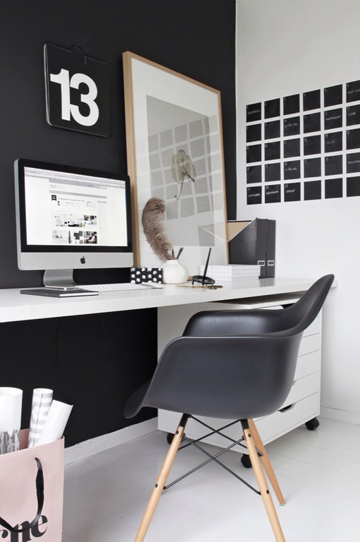 contemporary-home-office-with-eames-chair