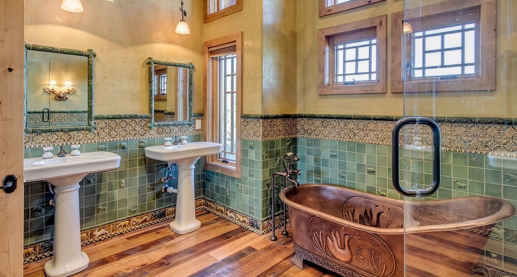craftsman-master-bathroom-with-pedestal-sink