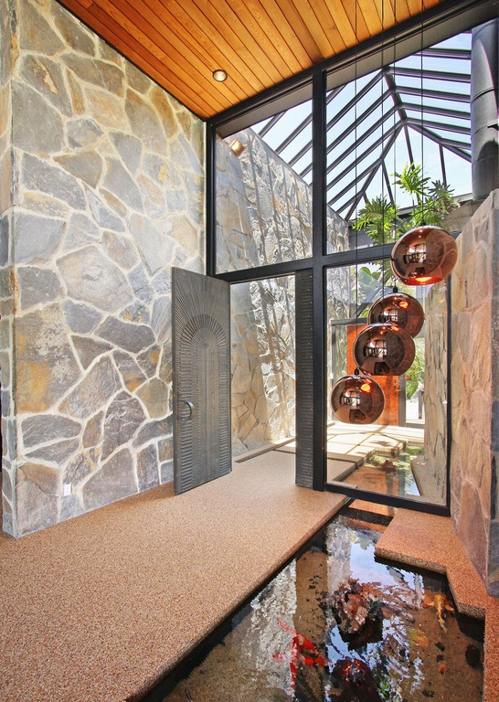 modern-pergola-and-wood-ceiling