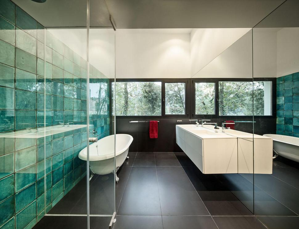 reflective-tile-turquoise-color-wall-tiles