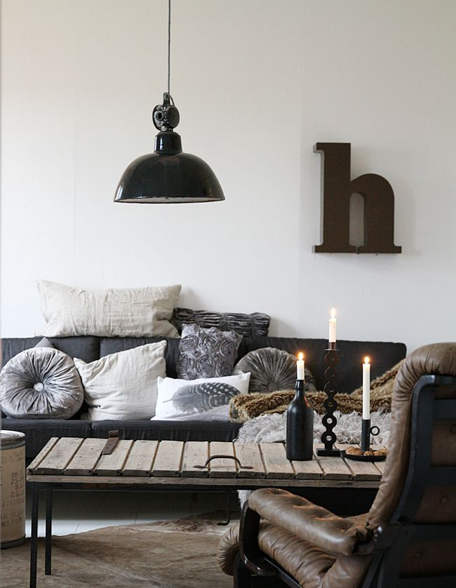 stylish-and-inspiring-industrial-living-room-designs-24