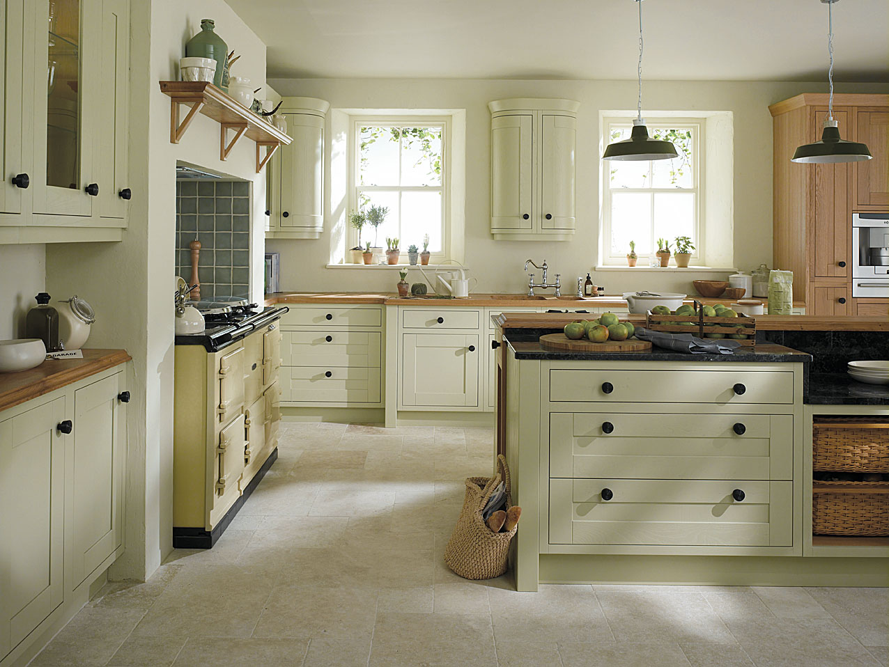 30 popular traditional kitchen design ideas for Pics of traditional kitchens