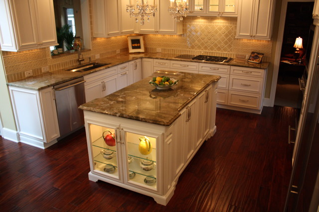 30 attractive kitchen island designs for remodeling your for What is traditional kitchen