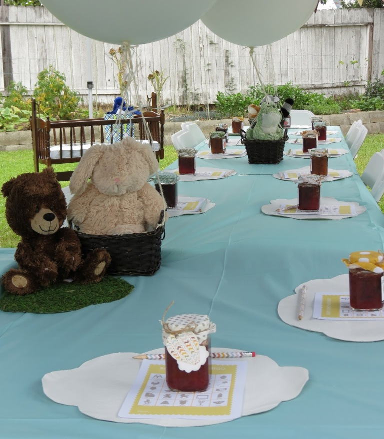 Decorating a modern baby shower ideas for Baby boy decoration