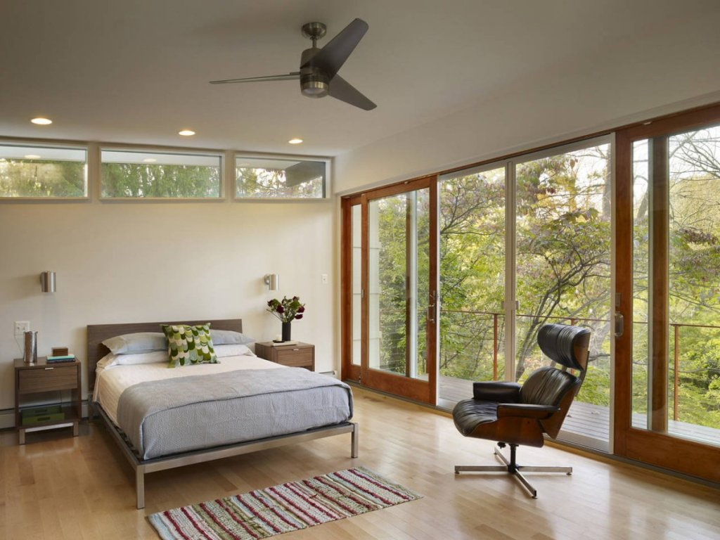Bright-Mid-Century-Bedroom
