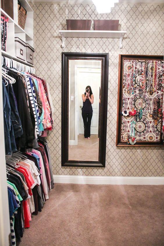 Closet Organization and Decor