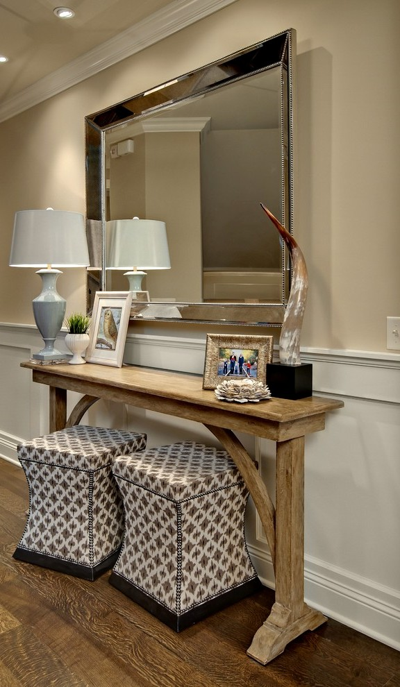Decorative-Entry-Traditional-design-ideas-for-Black-Entry-Table-Decorating-Ideas