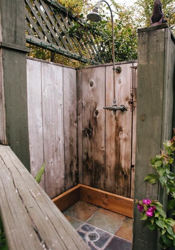 Great-Rustic-Outdoor-Patio-Shower-Design