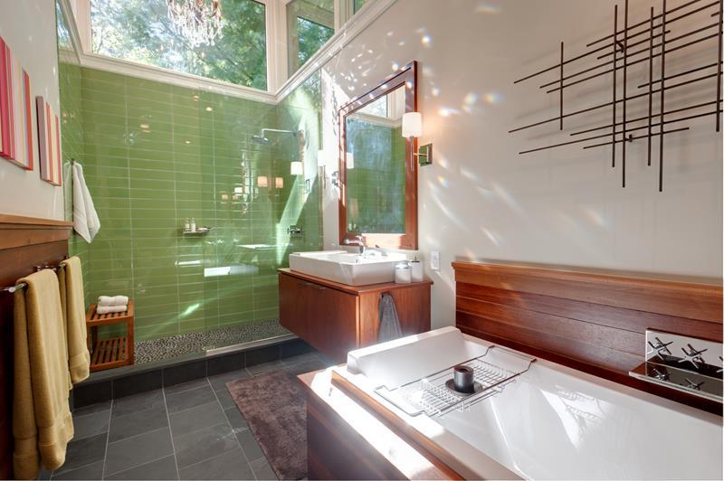 Luxury-Walk-In-Showers