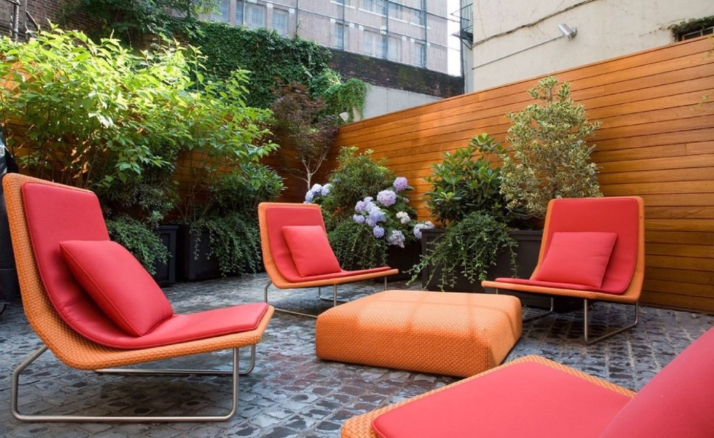 Orange-plus-Red-Color-for-Contemporary-Outdoor-Furniture