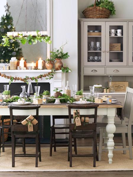 a festive farmhouse dining room