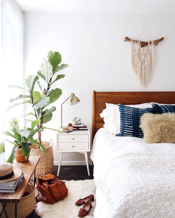 25 Awesome Midcentury Bedroom Design Ideas on Boho Master Bedroom Ideas  id=62277