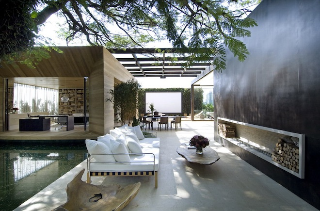 outdoor-indoor-living-space