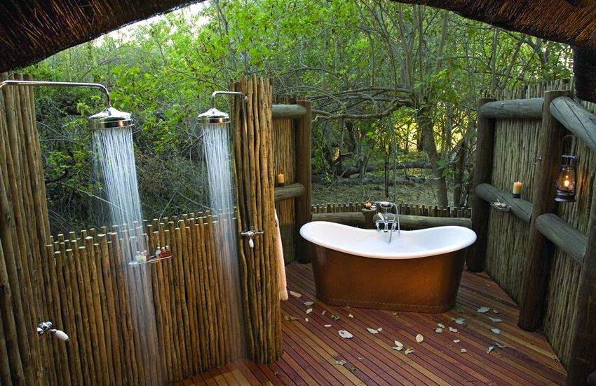 25 ideas to checkout before designing a rustic kitchen for Outdoor bathroom decor