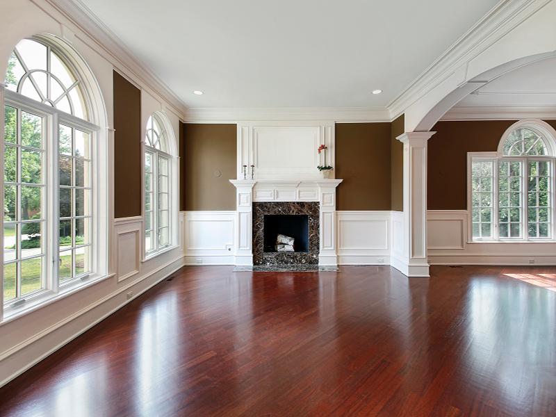 Elegant Living Room with Hardwood Flooring