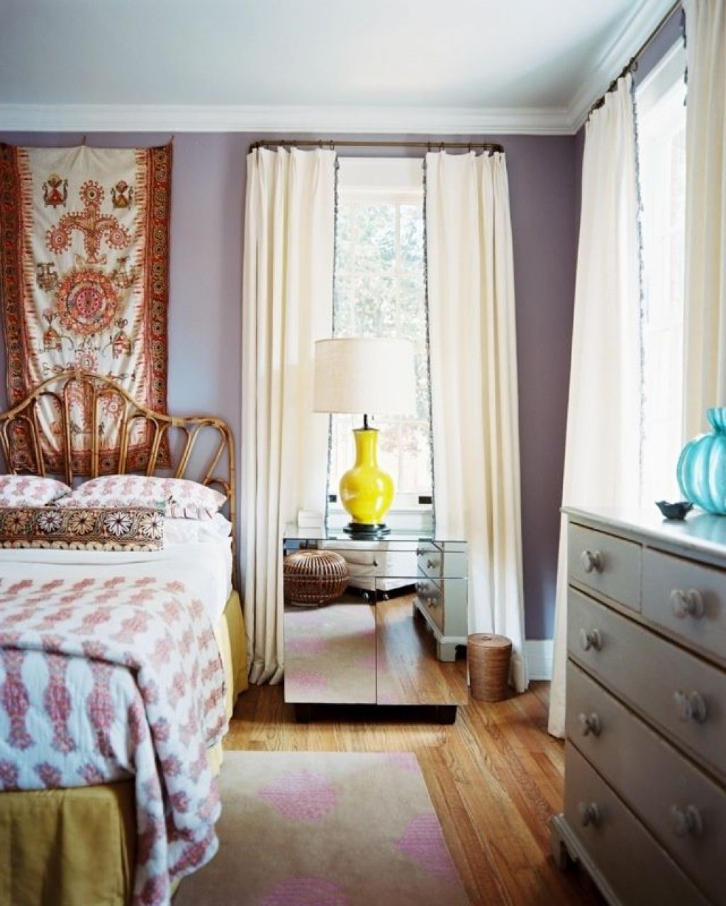 Fun And Bright Living Room Color Ideas Wrapping Comfort: 15 Decorating Ideas For Apartment Bedrooms