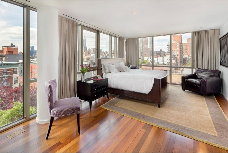 Penthouse-bedroom-design-with-amazing-city-view-in-manhattan