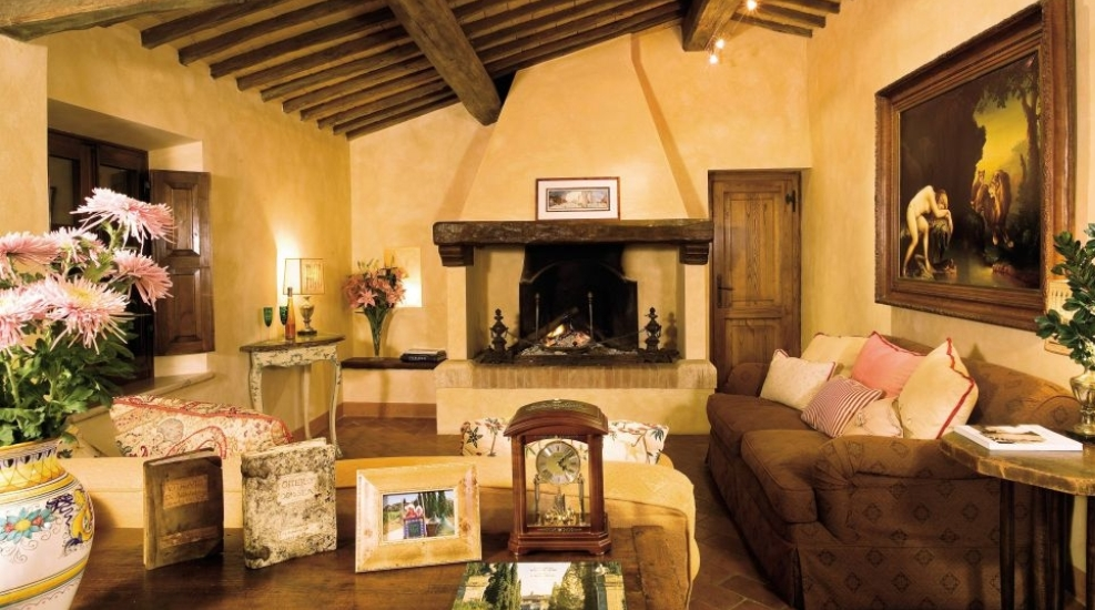 15 awesome tuscan living room ideas. Black Bedroom Furniture Sets. Home Design Ideas