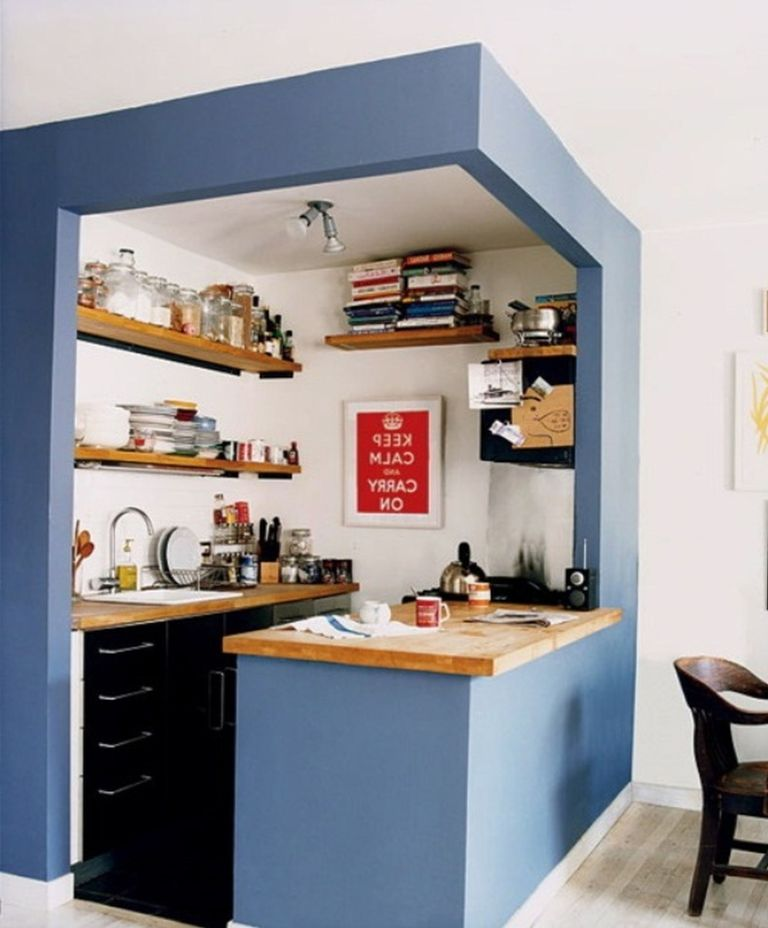 31 creative small kitchen design ideas for Suggested kitchen layouts