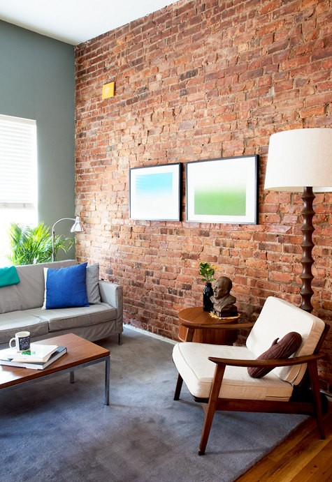 Living Room With Exposed Brick Wall (12)
