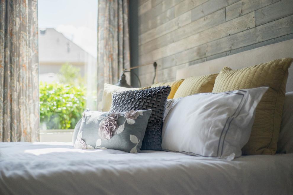 Contemporary Bedroom7